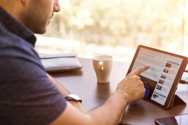 Linkedin sales solutions UK1N66KUkMk unsplash